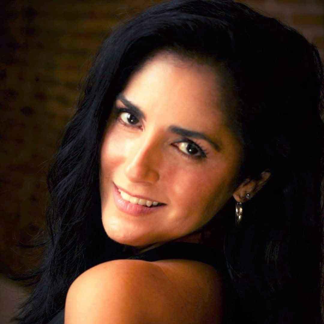Liz Santos